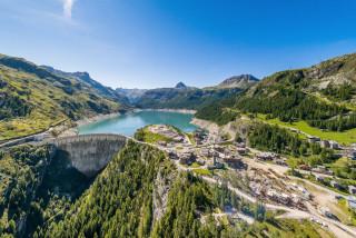 le-barrage-de-tignes-est-le-plus-haut-barrage-hydroelectrique-de-france-avec-ses-180-metres-de-hauteur-photo-andy-parant-1601563432-937975