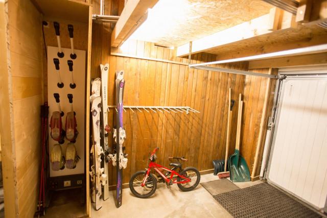 garage-2-936044