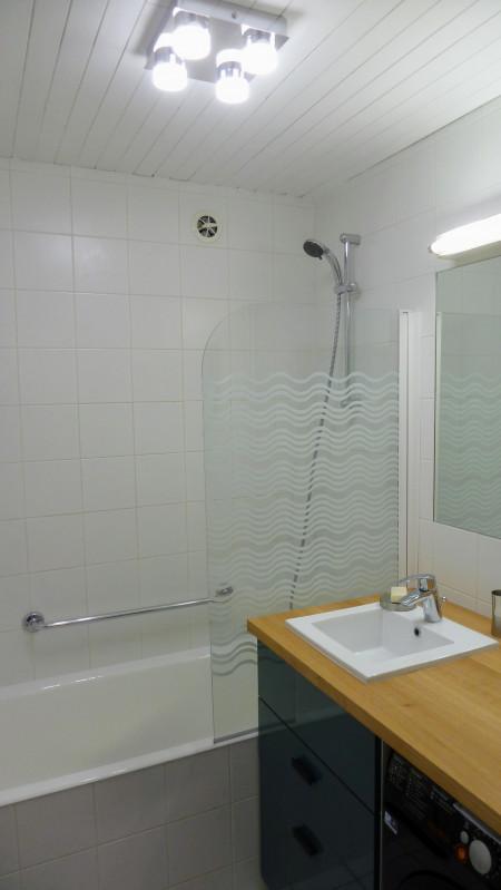 5-gc18-salle-de-bain-avec-lave-linge-1018525