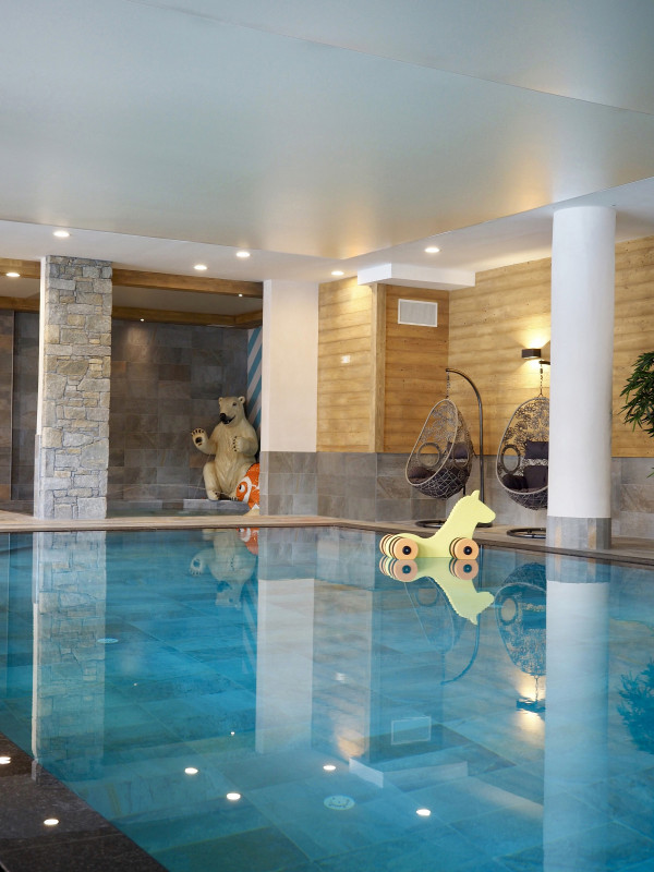 piscine-lodge-des-neiges-tignes-1800-934728
